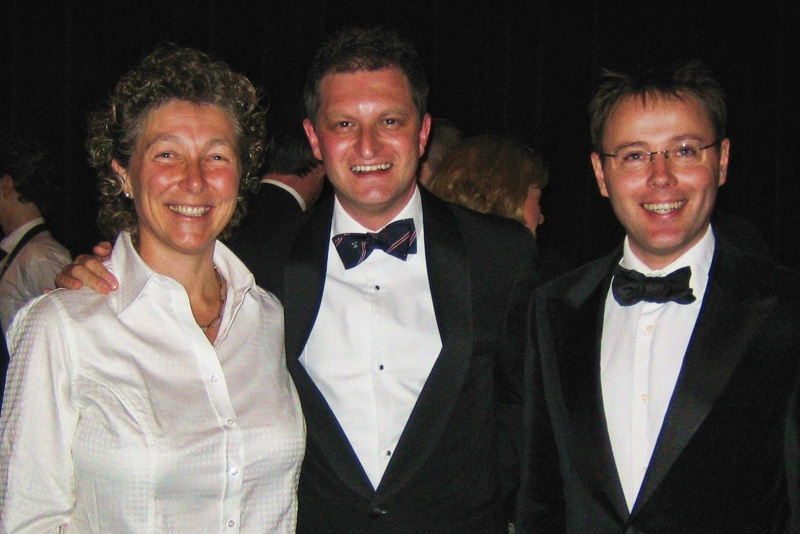 Jane Haviland (F. 1979-81), OBA President David Gold (S. 1986-91) and Headmaster Richard Cairns at the OBA Annual Dinner 2006